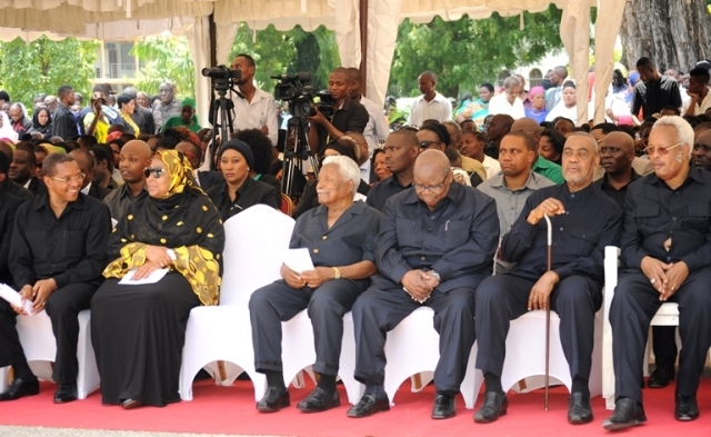 Former President Jakaya Kikwete, Vice President Samia Suluhu Hassan, former President Ali Hassan Mwinyi, former President Benjamin Mkapa, CUF Secretary General Seif Shariff Hamad and former Prime Minister Edward Lowassa were among the dignitaries at the paying of last respects.
