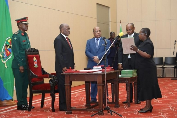 The President swears in Dr Zainabu Chaula as Permanent Secretary in the Health, Community Development, Gender, Elderly and Children ministry (Health) at State House in Dar es Salaam yesterday. Photo: State House