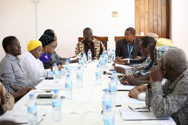 Parliament HIV and AIDS Committee Chairman Oscar Mukasa (C) leads the committee meeting at Bunge Office in Dodoma yesterday. Photo: National Assembly