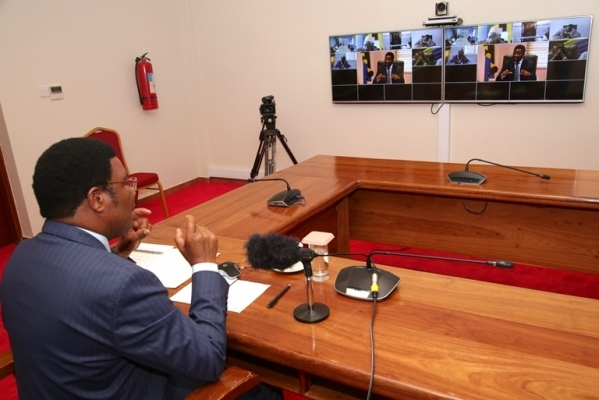 Prime Minister Kassim Majaliwa attends video conference with Regional Commissioners who their regions farming cotton crop of Mwanza, Shinyanga, Simiyu, Mara, Geita, Kagera, Singida na Tabora at his office in Dodoma yesterday. Photo: PMO