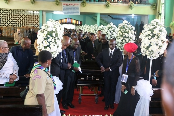 The casket bearing the body of Dr. Reginald Mengi arriving at the Evangelical Lutheran Church in Tanzania (ELCT) Moshi  central parish yesterday for a requiem mass before the burial ceremony at Kisereni, Machame East ward. Photos: Selemani Mpochi/PMO